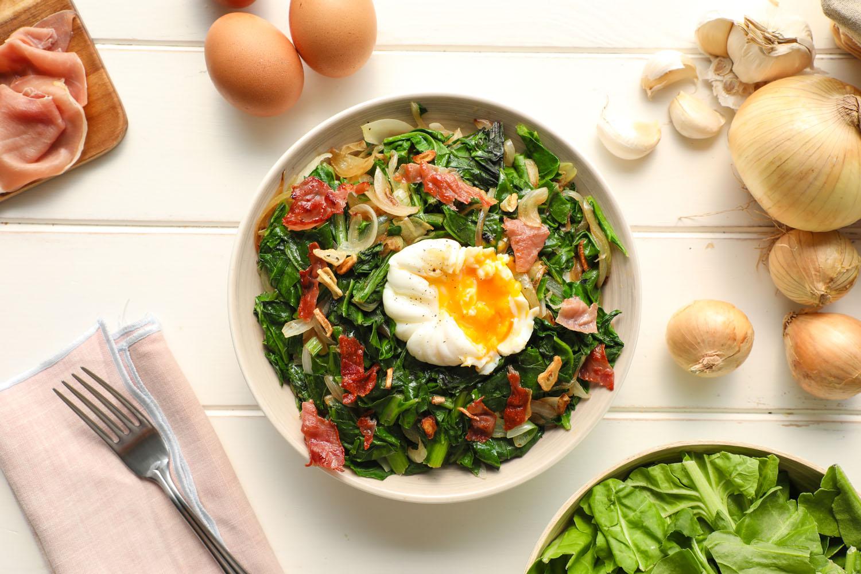 Cómo hacer una receta de Acelga con huevo poche