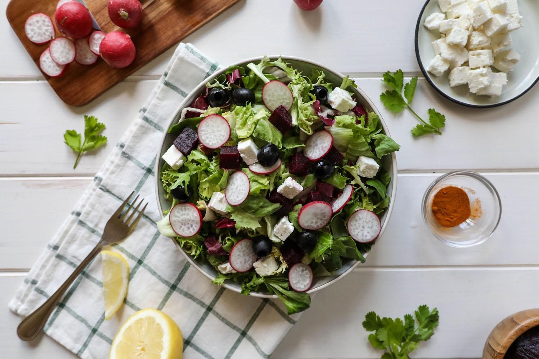 Cómo hacer una receta de Ensalada griega