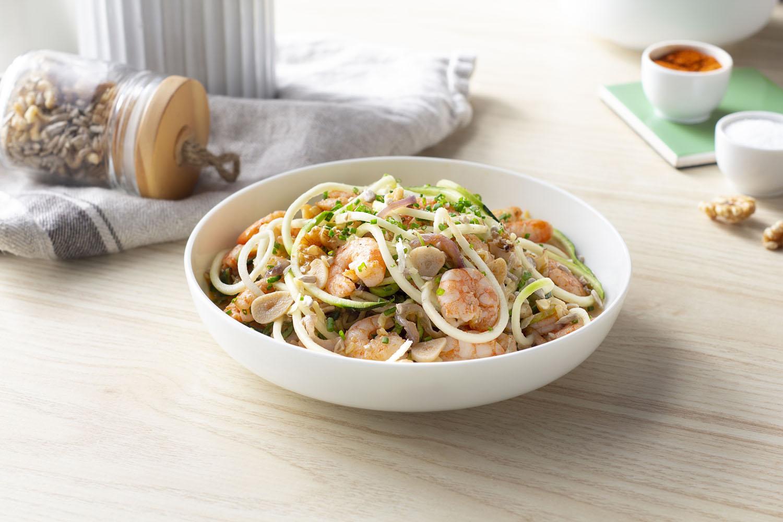 Cómo hacer una receta de Spaghetti de calabacín con langostinos