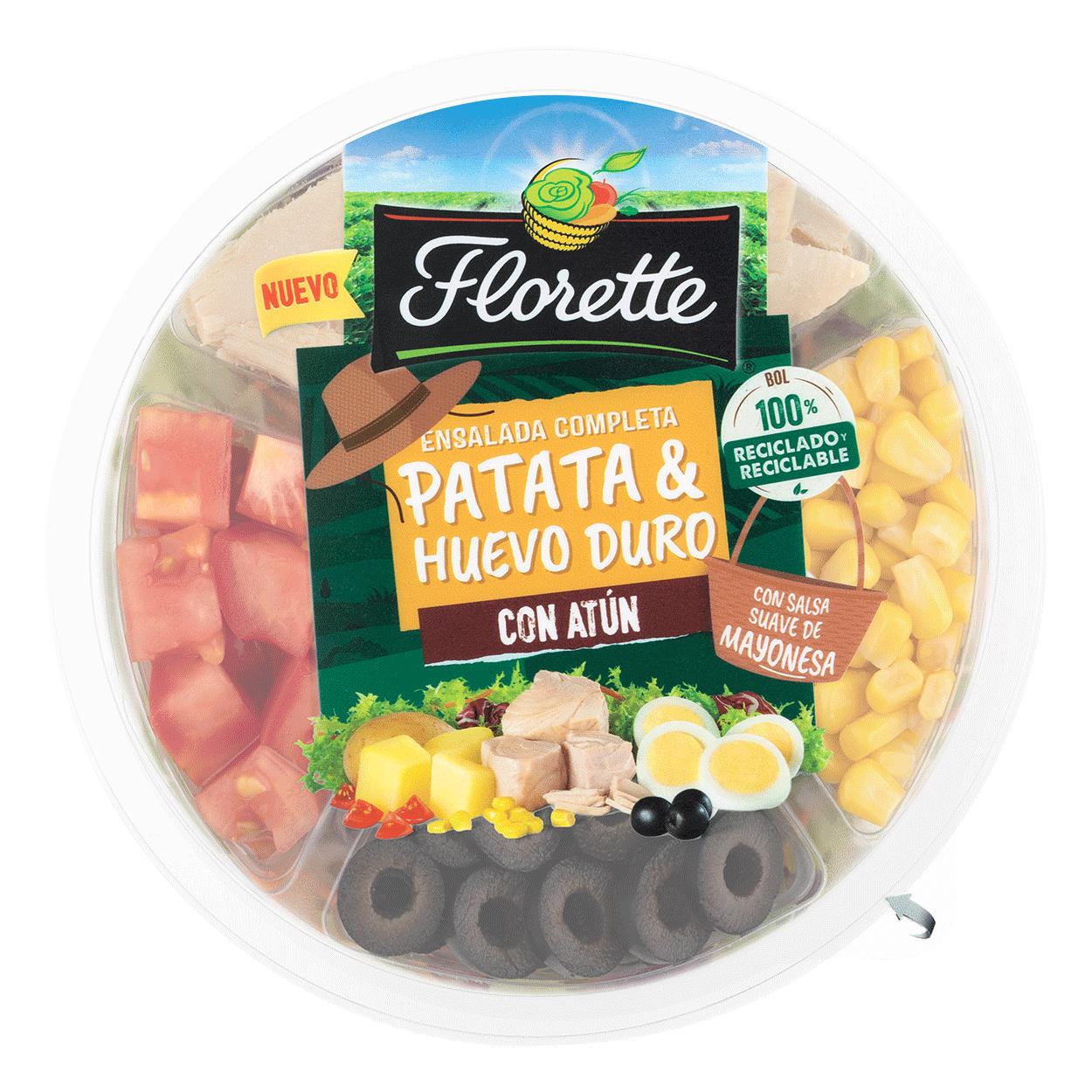 Ensalada completa de patata y huevo duro con escarola lisa, zanahoria, radicchio, parata, huevo duro, salsa suave de mayonesa, maiz pimiento verde, atun, pimiento rojo, aceitunas negras y tomate en dados