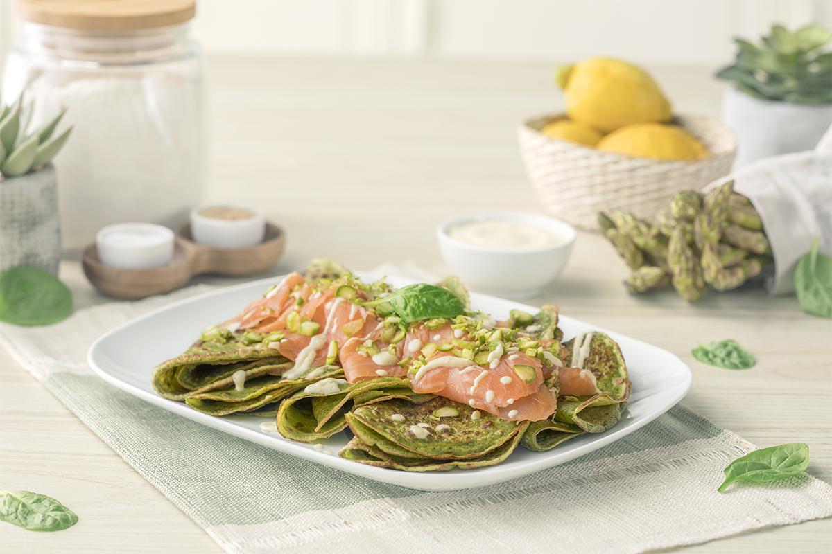 Cómo hacer una receta de Crepes de espinacas con salmón