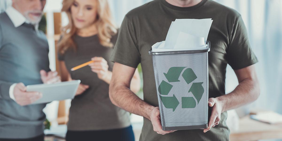 Cómo ser más sostenible en la oficina